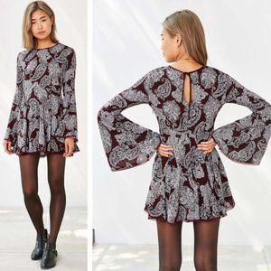 Ecote Bell Sleeve Paisley Sascha Dress Size 4